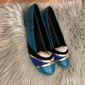 Women's Blue and Gold Qupid Flats Size 6.5